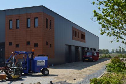 Bedrijfsverzamel- gebouw te Oudkarspel